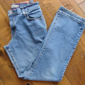 Levi's Classic High Rise Relaxed Bootcut 550 Jeans
